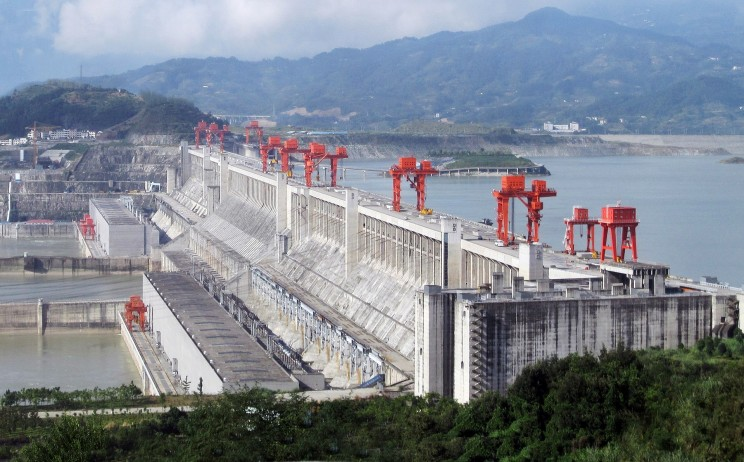 13 Facts About the Controversial Massive Chinese Dam That Slowed the Earth